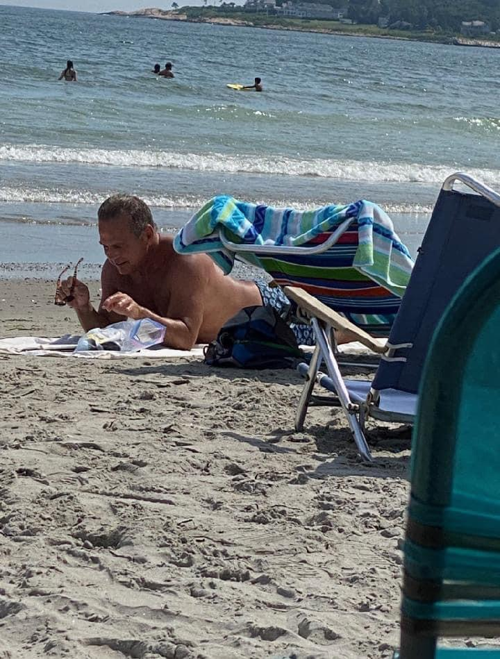 Read more about the article Cicilline shows off tattoo at beach