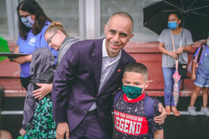 Read more about the article Elorza skips the mask